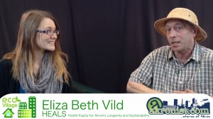 Beth Vild (left) speaks with Tom Crain about working toward holistic health on a sustainable level. (Photo: Blue Green)
