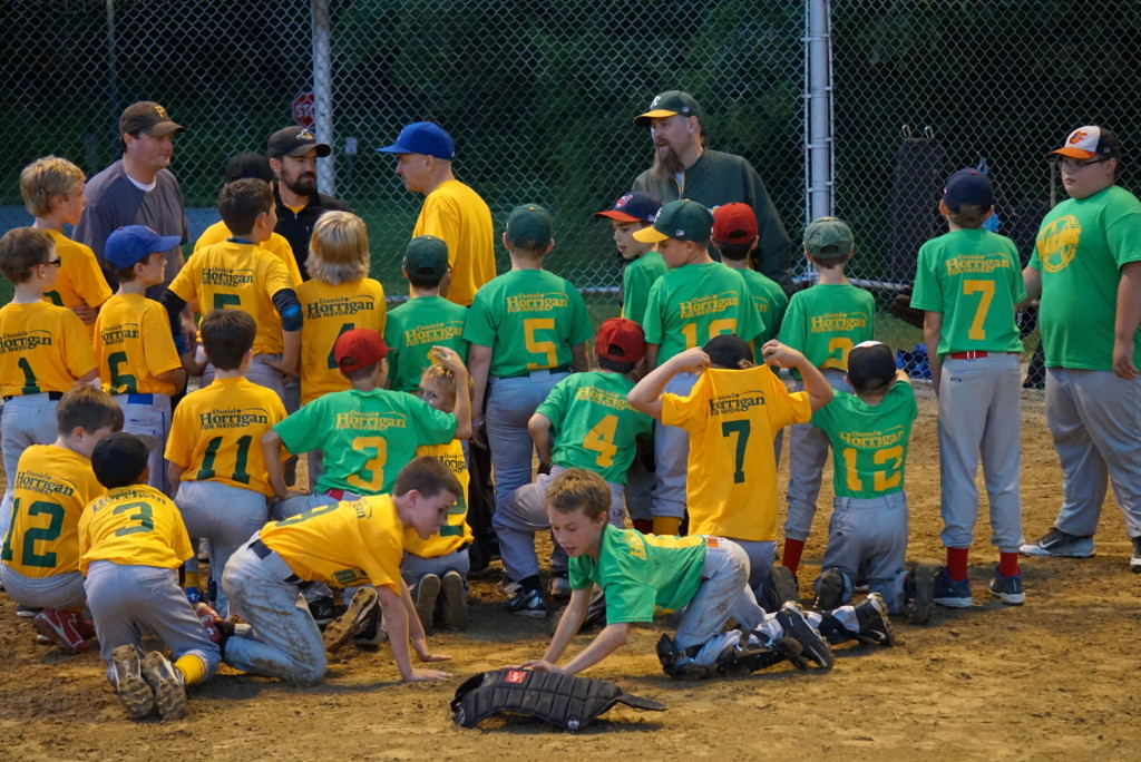 A photo of the West Akron Baseball/Softball league team that Horrigan sponsored. (Photo courtesy of Dan Horrigan)