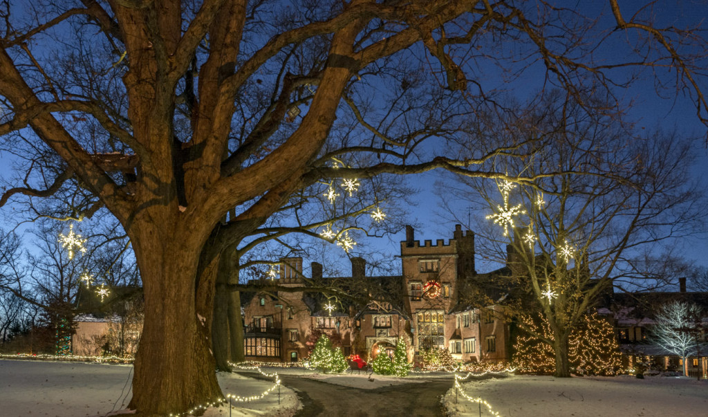 Stan Hywet's Deck the Hall_Manor House and Grounds(1)