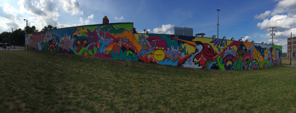A panoramic view of the Downtown Laundromat mural. (Photo: Ben Arrington)