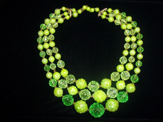 green-necklace-1
